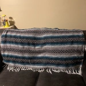 Woven throw blanket. Used good condition.